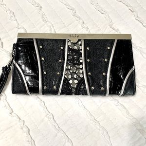 Chateau black tie wristlet/ clutch
